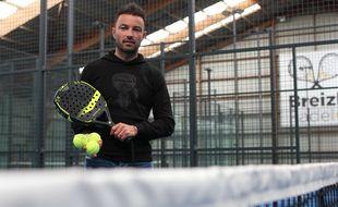 L'ancien joueur du Stade Rennais, du VAFC et de l'OL Gaël Danic a ouvert un complexe de padel, à Bruz, près de Rennes.