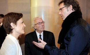 La ministre des sports, Chantal Jouanno, en discussion avec le sélectionneur de l'équipe de France, Laurent Blanc, le 10 février 2011.