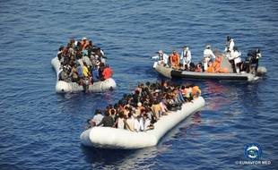 Eunavformed a mené six opérations de sauvetage en Méditerranée, le 3 novembre 2017.