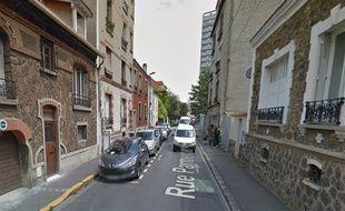 Une rue du Bas-Montreuil, l'un des quartiers sillonnés par Anaïs Collet pour son enquête «Rester bourgeois. Les quartiers populaires, nouveaux chantiers de la distinction».