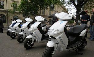 Trente cityscoot, tous de couleur blanche et 100% électriques, seront déployés dans les rues de Paris à partir du 30 juin.