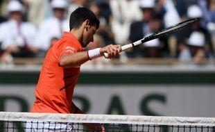 Novak Djokovic, dominé par Dominic Thiem en demi-finale de Roland-Garros, le 8 juin 2019.