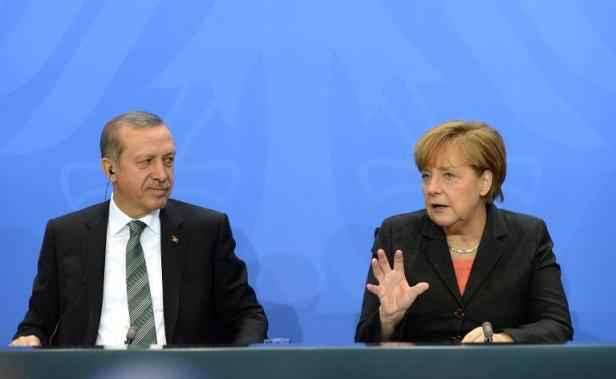 Erdogan accuse Merkel de