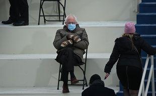 Cette photo de Bernie Sanders lors de l'investiture de Joe Biden a été détournée par de nombreux internautes.