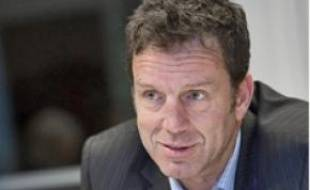 Geoffroy Roux de Bézieu, le patron de Virgin Mobile.