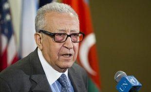 """Le médiateur international Lakhdar Brahimi a salué mercredi comme un """"premier pas très important"""" le fait que Moscou et Washington se sont mis d'accord pour inciter le régime et les rebelles à trouver une solution au conflit qui ensanglante la Syrie."""