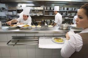 Le château de Lacroix-Laval près de Lyon va devenir un centre de formation pour les apprentis de la gastronomie (illustration).
