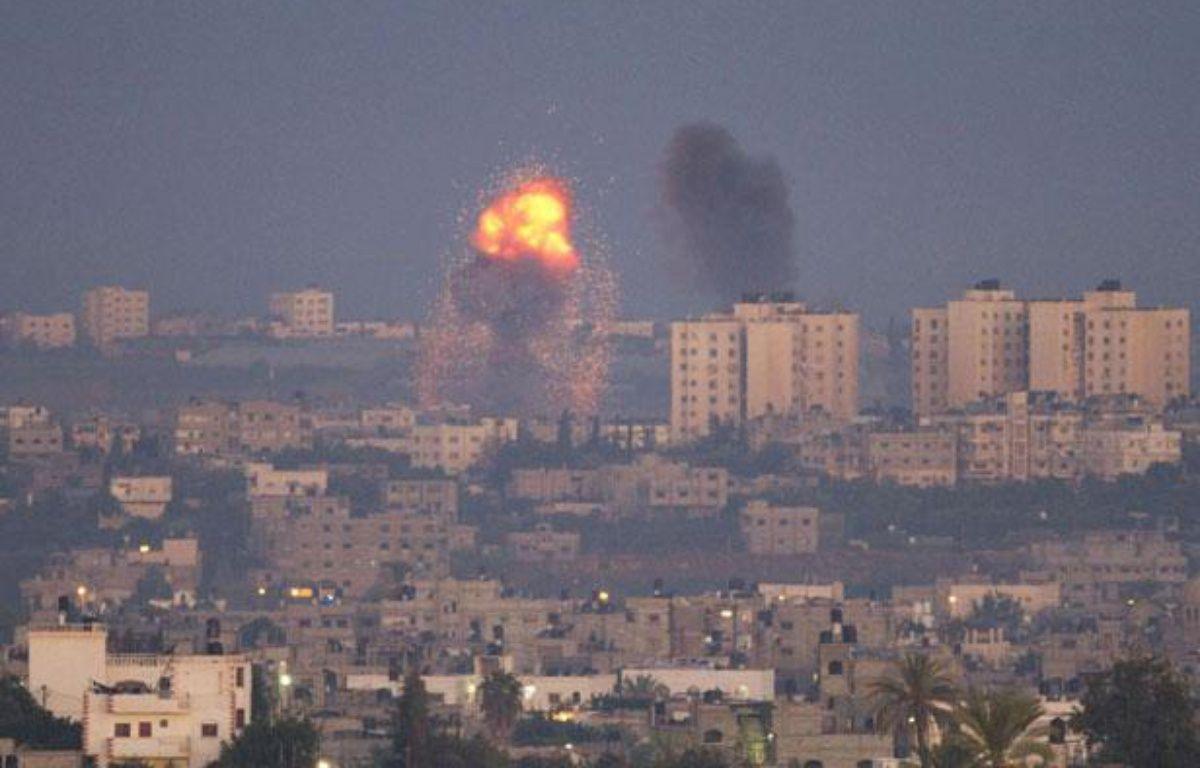 Explosion à la suite d'un tir israélien dans le nord de la bande de Gaza, le 15novembre 2012. – A. Schalit/AP Photo