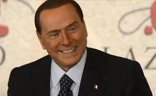 L'ex-chef du gouvernement italien Silvio Berlusconi s'est dit prêt, mercredi à Rome, à se retirer en cas de candidature de Mario Monti aux prochaines élections législatives.