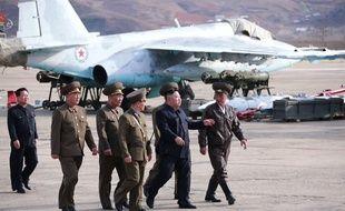 Kim Jong-un supervise un exercice militaire le 16 avril 2019.
