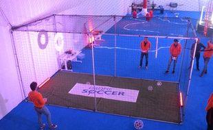 L'arène pour pratiquer le drone soccer.