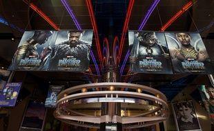 """Le premier super-héros noir de """"Black Panther"""" a pulvérisé les pronostics, bondissant en première place du box-office nord-américain dès sa sortie."""