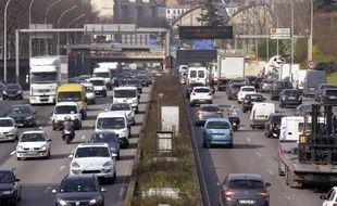 Le périphérique à Paris le 10 avril 2015 un jour de pollution