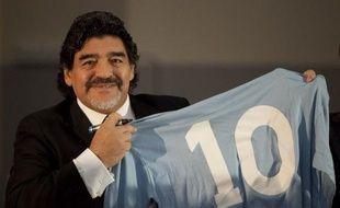 Diego Maradona est d'accord pour discuter avec... Montpellier, qui s'apprête à perdre cet été son entraîneur René Girard, a indiqué à l'AFP le directeur de l'agence qui détient les droits d'image de l'ex-légende argentine en France.