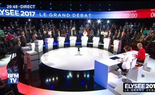 Les onze candidats à l'élection présidentielle s'affrontent lors d'un débat le 4 avril 2017 sur BFM TV.