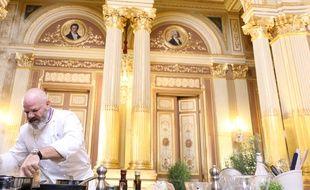 Le chef Philippe Etchebest lors du tournage de l'émission 6 de la saison 10 de Top Chef.
