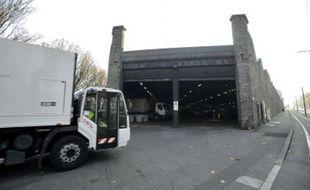 Le dépôt de camions poubelles de la Morrhonnière sera investi par les archives.