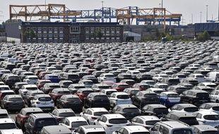 Des voitures neuves au port de Duisburg en Allemagne, le 3 juin 2020.