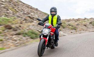 Un aribag moto de la marque Helite
