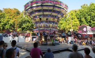 Nantes, le 7 septembre 2014, manèges à la fête foraine de septembre installée cours Saint-Pierre et Saint-André