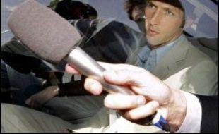 """Paradoxalement, les condamnations à l'encontre de la """"victime"""" Materazzi, entendu dès le 14 juillet et sanctionné pour """"provocation répétée"""", auront plus d'incidence puisque le défenseur devrait manquer la revanche de la finale, programmée le 6 septembre au Stade de France dans le cadre des qualifications à l'Euro-2008."""