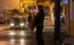 Un réseau lié à Al-Qaïda soupçonné d'envoyer des combattants en Syrie a été démantelé vendredi matin dans l'enclave espagnole de Ceuta, dans le nord du Maroc, et huit personnes ont été arrêtées, a annoncé le ministère de l'Intérieur.