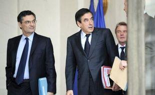 Patrick Devedjian, qui n'a pas conservé dimanche lors du remaniement ministériel le poste de ministre de la Relance, a perdu lundi soir la tête de la fédération UMP des Hauts-de-Seine, a-t-on appris de sources UMP.