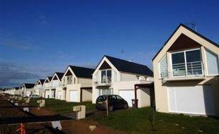 En moyenne en 2007, les biens immobiliers acquis ont une surface de 80,89 m2 (soit -2,7 m2 qu'en 2006), pour un coût de 195.156 euros, le délai de vente a été de 79 jours (8 jours de plus qu'un an auparavant) et la durée moyenne du crédit est passée de 19,54 ans à 20,21 ans, selon Century 21.