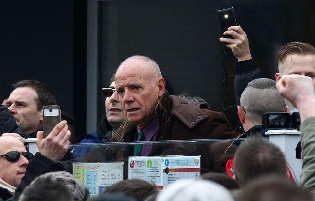 L'ancien général Christian Piquemal à la manifestation PEGIDA le 6 février au centre de Calais