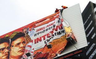 L'affiche du film est retirée à Hollywood.