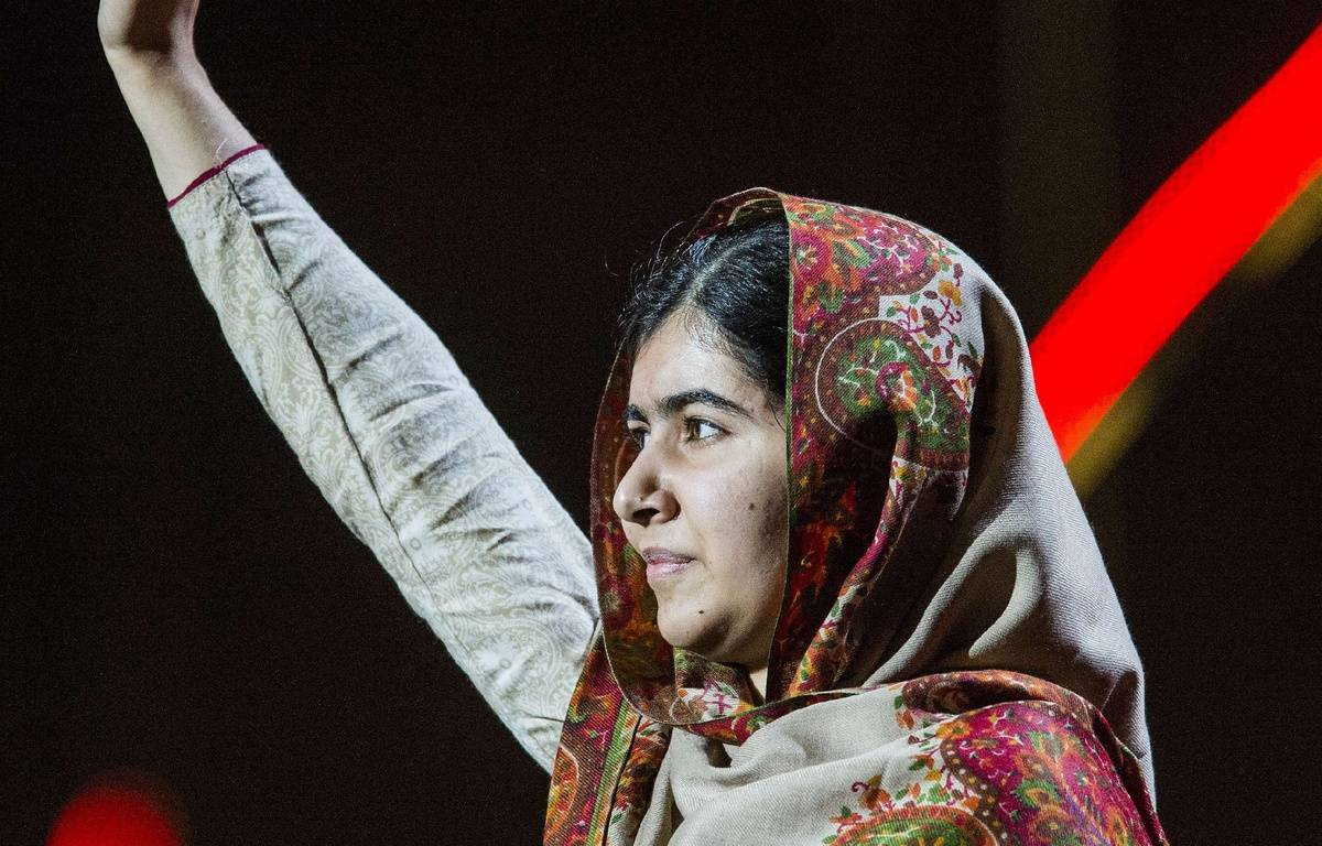 Nobel Peace Prize Laureate Malala Yousafzai waves from the stage on stage of the Nobel Peace Prize Concert in Oslo, Norway, Thursday Dec. 11, 2014. (AP Photo/Fredrik Varfjell, NTB scanpix) NORWAY OUT/LON821/216585492752/NORWAY OUT/1412112352 – Fredrik Varfjell/AP/SIPA