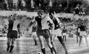 A l'époque, les footballeurs avaient un contrat à vie, qui les rendaient quasiment esclaves de leur club.
