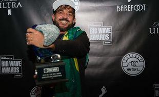 Le surfer brésilien  Rodrigo Koxa
