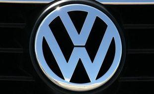 Le géant allemand de l'automobile Volkswagen a annoncé mercredi que malgré la crise dans le secteur automobile il maintenait ses plans d'augmenter en 2012 la production en Slovaquie à environ 400.000 voitures.