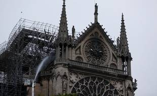 Le secrétaire d'Etat à l'Intérieur a affirmé mardi 16 avril 2019 que le «péril du feu» était «écarté» à la cathédrale Notre-Dame de Paris.
