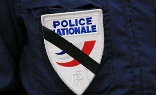 Un policier en deuil (illustration)