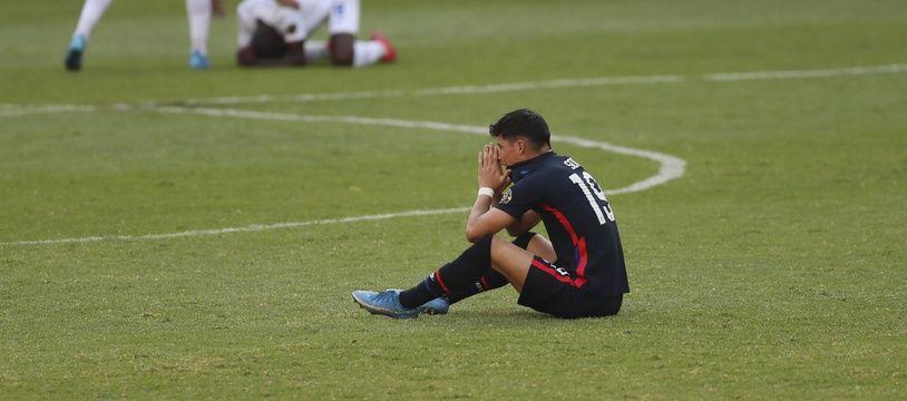 Le joueur de la sélection américaine de football, Sebastian Soto, à la fin de la rencontre contre le Honduras perdue 2-1, à Mexico le 28 mars 2021.