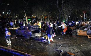 Le lieu de l'attentat-suicide qui a frappé Ankara, en Turquie, le 13 mars 2016.