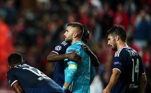 Le regard perdu, Anthony Lopes sait qu'il a pénalisé son équipe lors de la défaite du Benfica  (2-1). CARLOS COSTA / AFP)