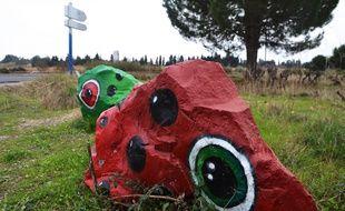 Deux Cocs, au bord de la route, près du Zénith-Sud, à Montpellier.