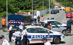 Le quartier où les deux corps ont été découverts, mardi 26 juin à Eysines, était entièrement bouclé