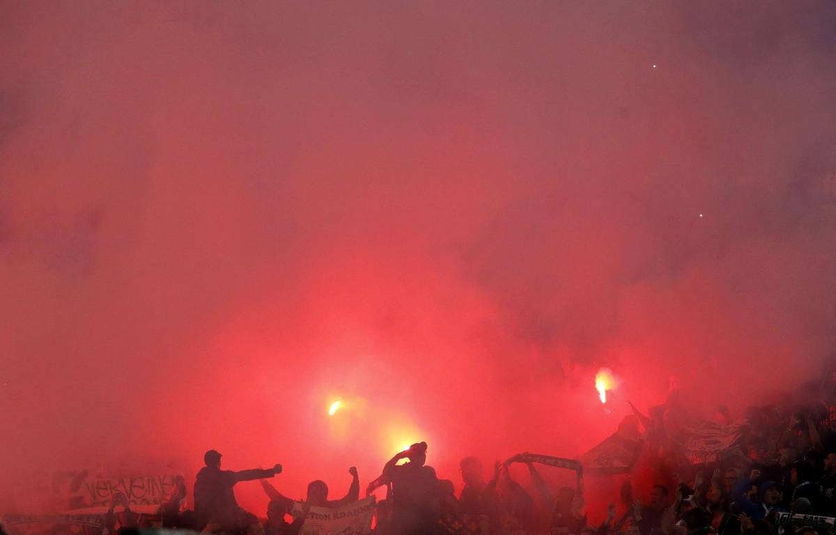 Des ultras stéphanois lors du match contre la Lazio de Rome, le 1er octobre 2014. – R.D.LUCA/SIPA/AP