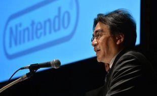 Nintendo ne renoncera pas aux consoles car elles sont un pilier de ses activités aux côtés des jeux eux-mêmes, a insisté jeudi le patron de la firme pionnière du secteur, n'en déplaise à ceux qui lui conseillent d'émanciper ses héros Mario, Zelda ou les Pokemon sur smartphones.