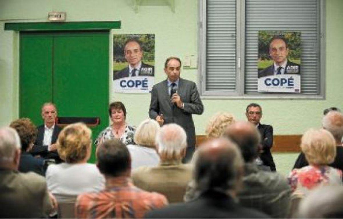 Jean-Francois Copé lors d'une réunion publique à la salle des fêtes de Trilport, à côté de Meaux. –  V. WARTNER / 20 MINUTES