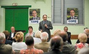 Jean-Francois Copé lors d'une réunion publique à la salle des fêtes de Trilport, à côté de Meaux.