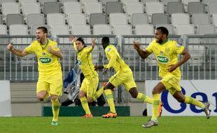 Les joueurs du FC Nantes fêtent leur quatrième but, synonyme de qualification pour les quarts de finale de la Coupe de France face aux Girondins, le 10 février 2016 à Bordeaux.
