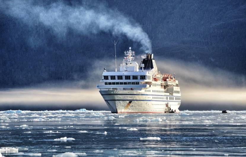 Navigation dans les méandres glacés de la Patagonie