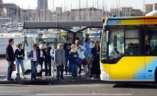 Illustration d'un bus de la RTM à Marseille.