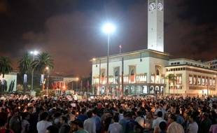 Plus de 2.000 personnes ont manifesté mardi à Casablanca, la plus grande ville du Maroc, contre la grâce accordée par erreur par le roi Mohammed VI à un pédophile espagnol.