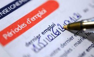 Plus de huit cadres sur dix (84%) pensent que le chômage augmentera dans les prochains mois, et 65% d'entre eux s'attendent à une dégradation du niveau de vie en France, selon un sondage Viavoice pour HEC, Le Figaro et France Inter publié lundi.